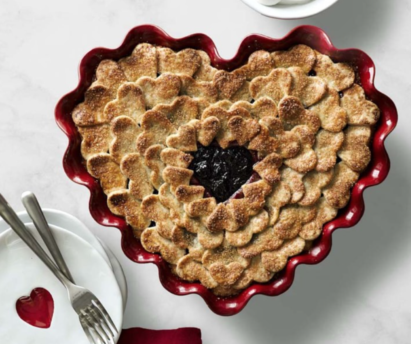 10 Pretty Pie Pans That'll Upgrade Your Baking