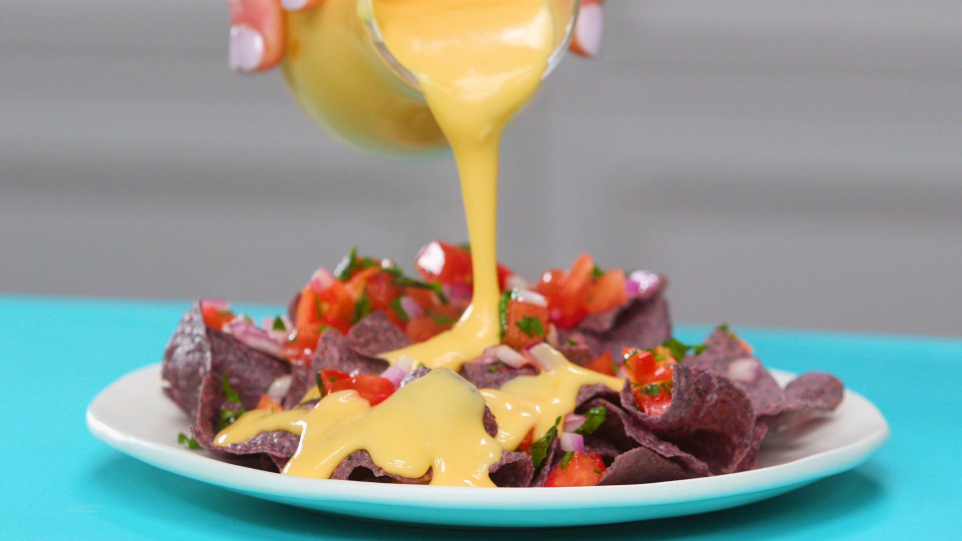 cheddar-cheese-sauce-16x9-Frame.jpg