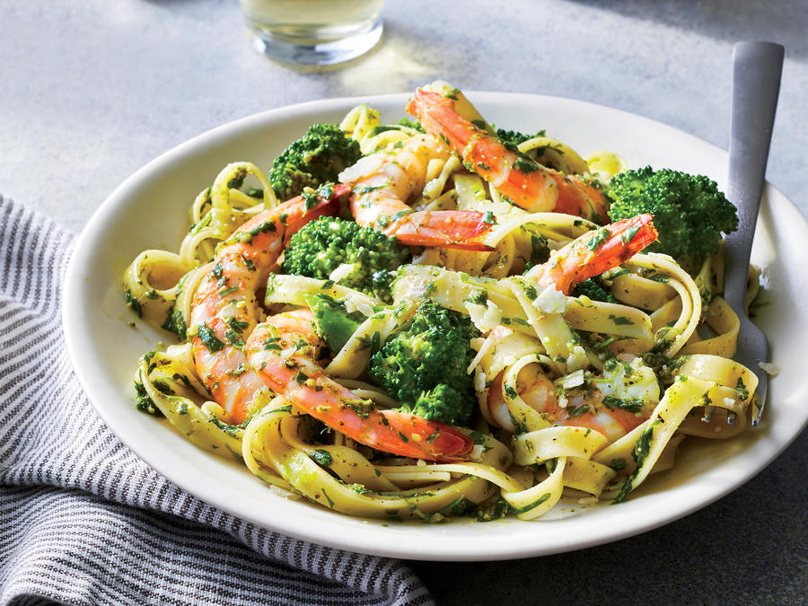 pesto shrimp broccoli fettuccine 2