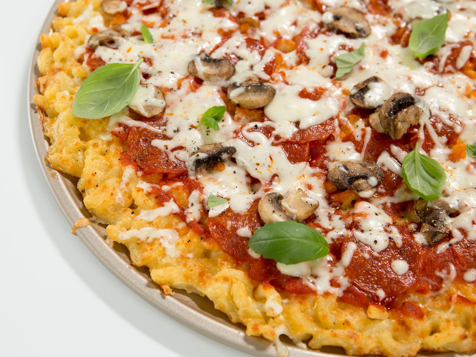 Mac N Cheese Crusted Pizza image