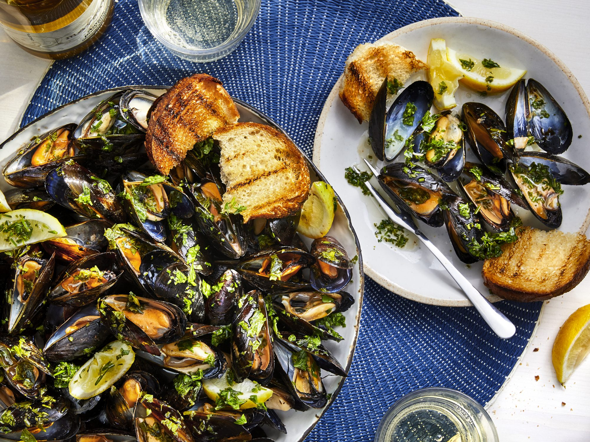 mr-Easy Smoked Mussels with Garlic Butter