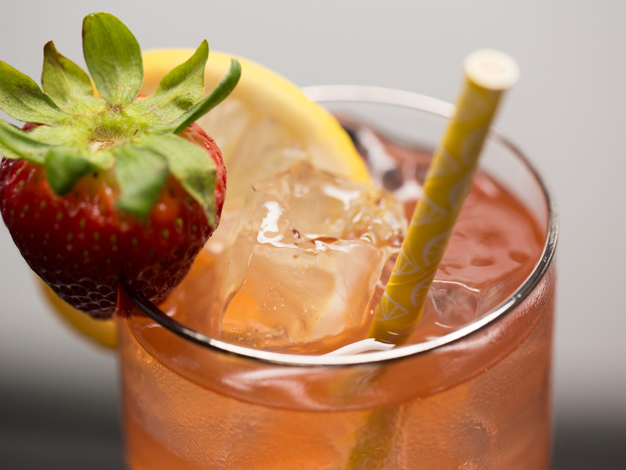 Skinny Strawberry Vodka Lemonade image