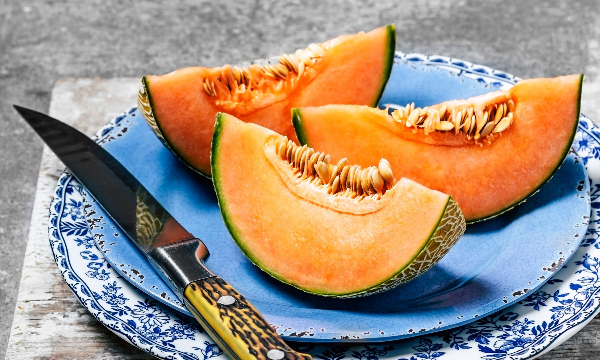 EC: These 3 DIY Cantaloupe Beauty Recipes Will Keep You Hydrated This Summer message-editor%2F1495222026783-cantaloupegettyimages-641959372