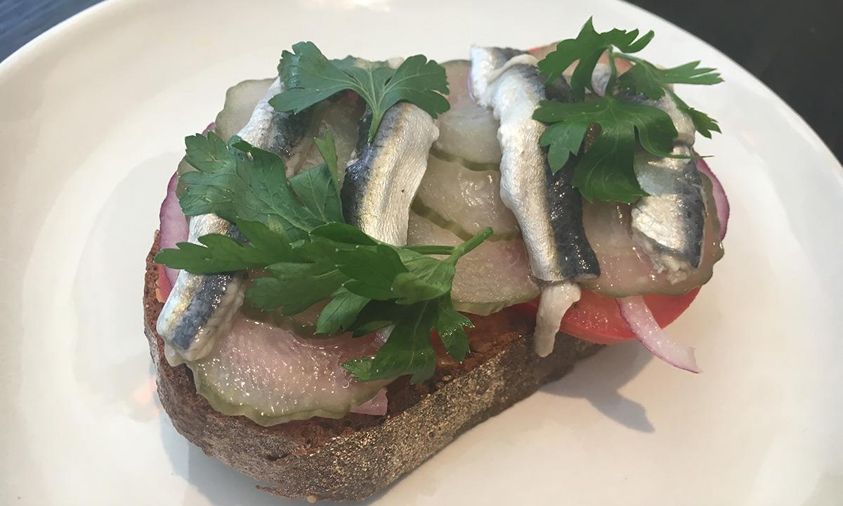 EC:  assets%2Fmessage-editor%2F1473274113661-sardines-toast