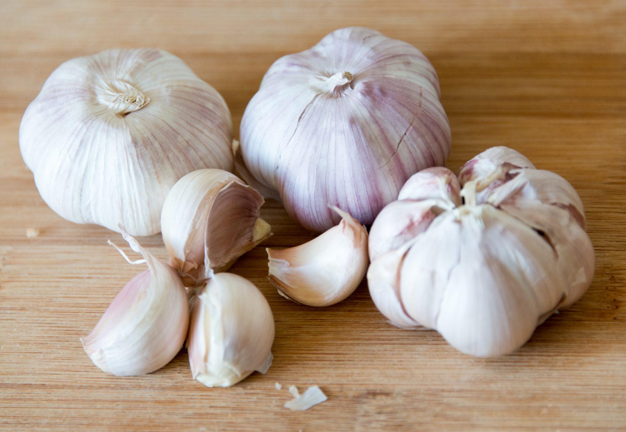 garlic peeling