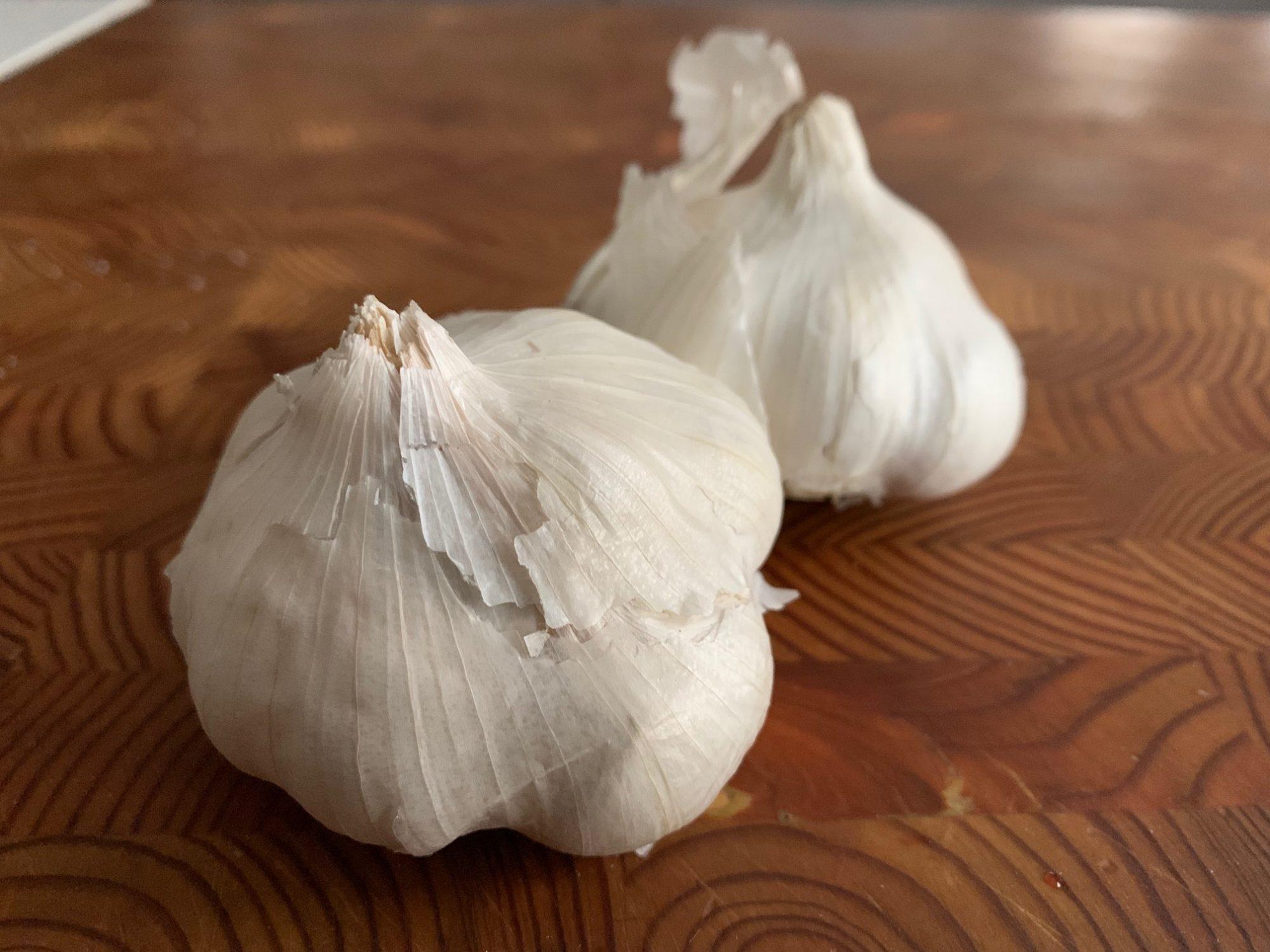 garlic with skin on
