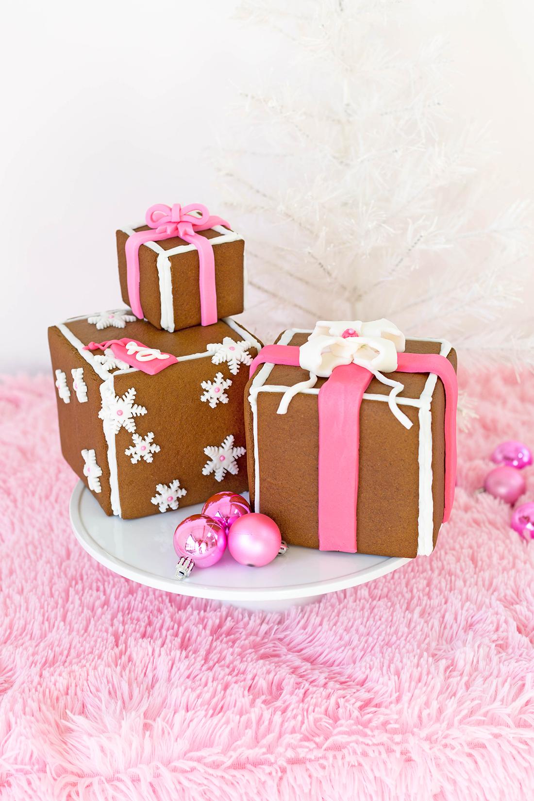 6-GingerbreadPresentStack.jpg