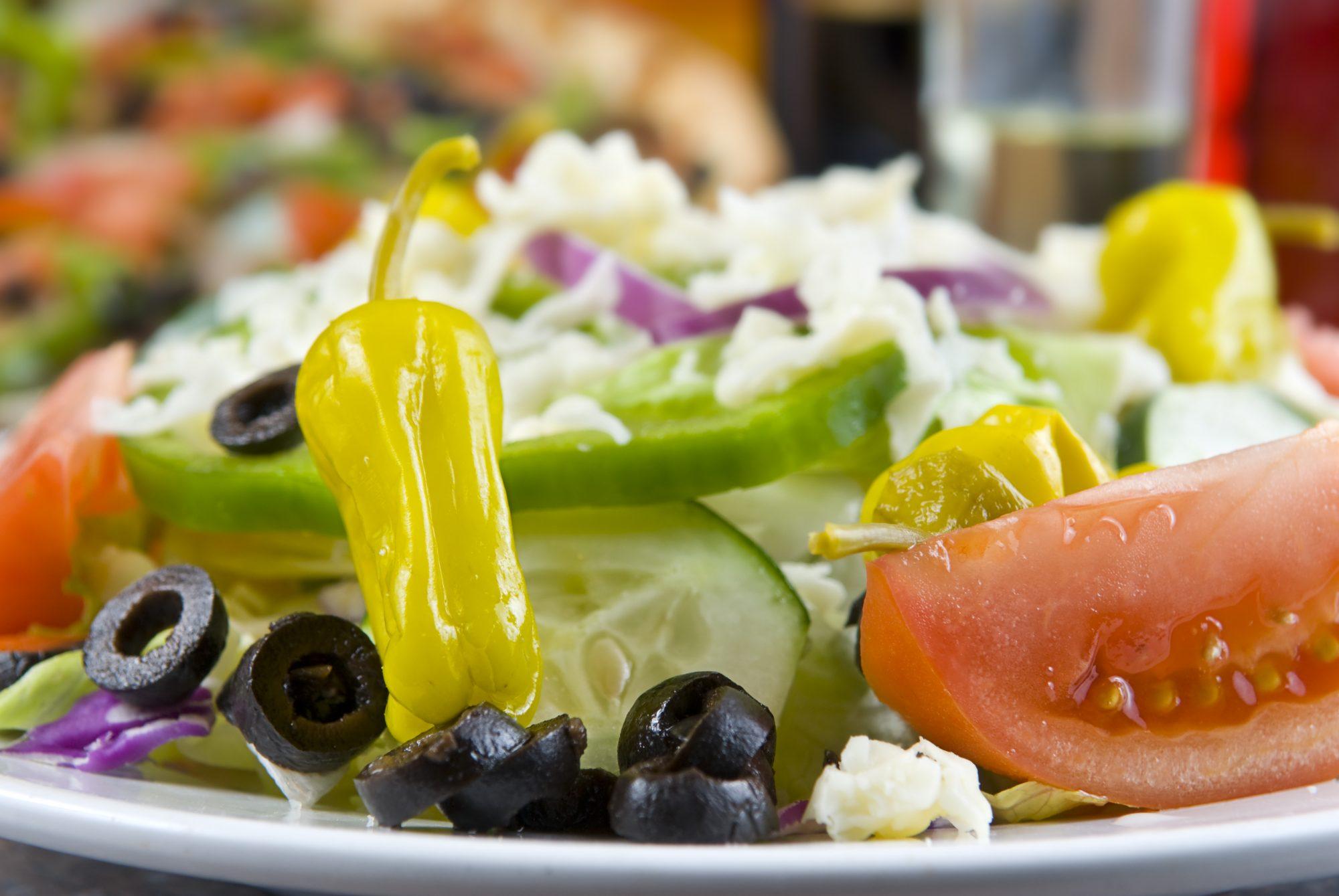 italian-salad-92219675.jpg