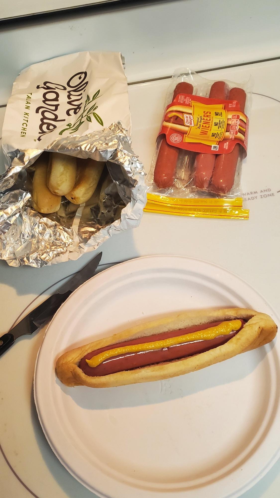 olive-garden-hot-dog