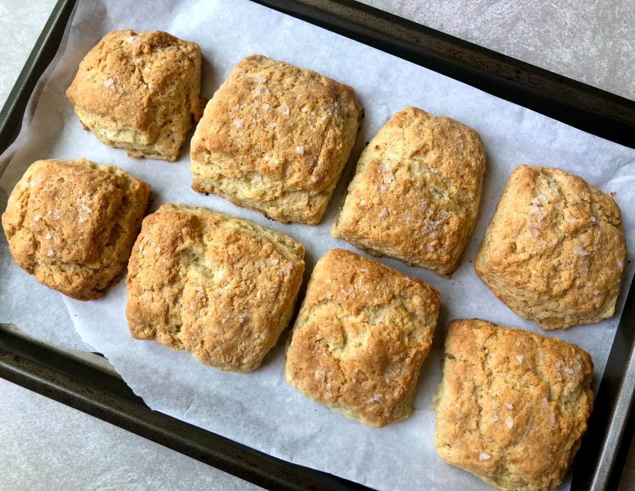 BIUAN Roasted Garlic Butter Biscuits 1