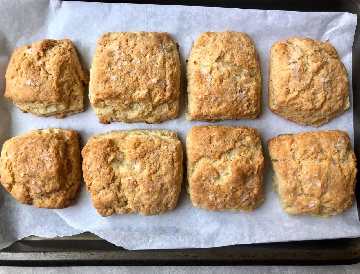 BIUAN Roasted Garlic Butter Biscuits 2