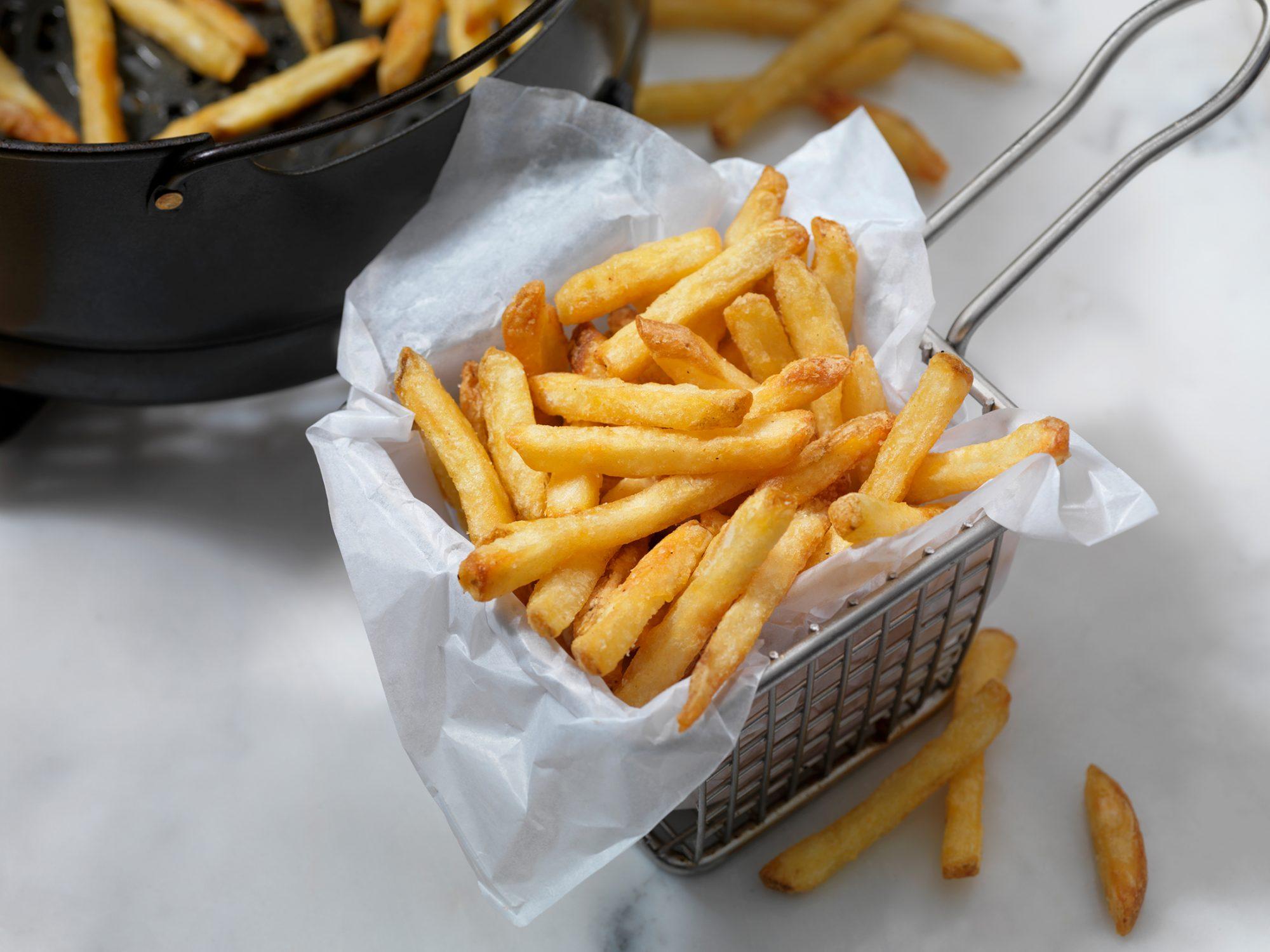 air fryer french fries-1202078726.jpg