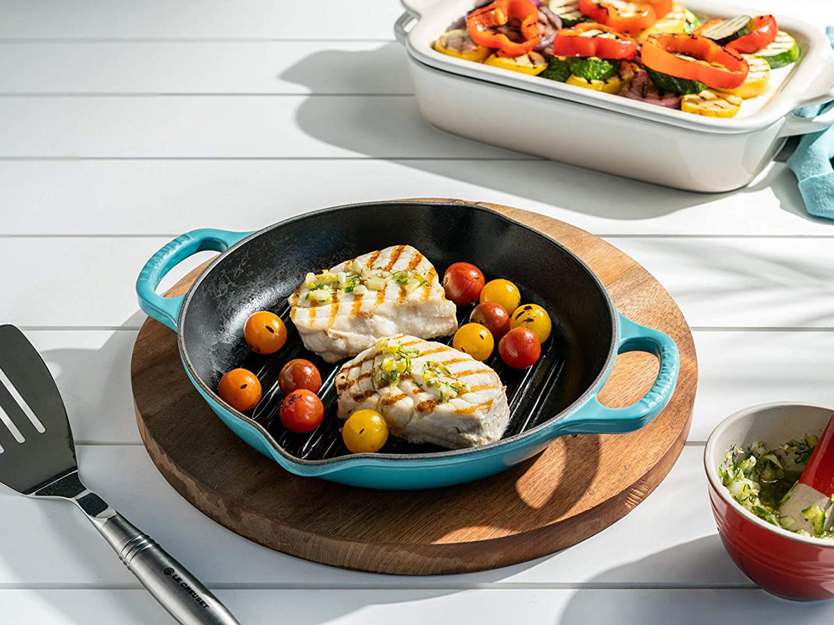 Le Creuset Enameled Cast Iron Signature Deep Round Grill
