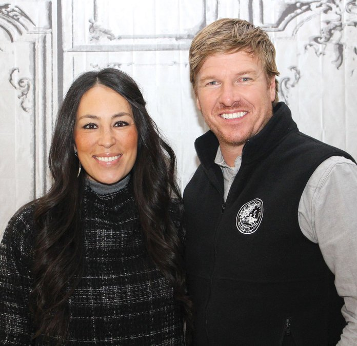 091216-chip-joanna-gaines_0.jpg