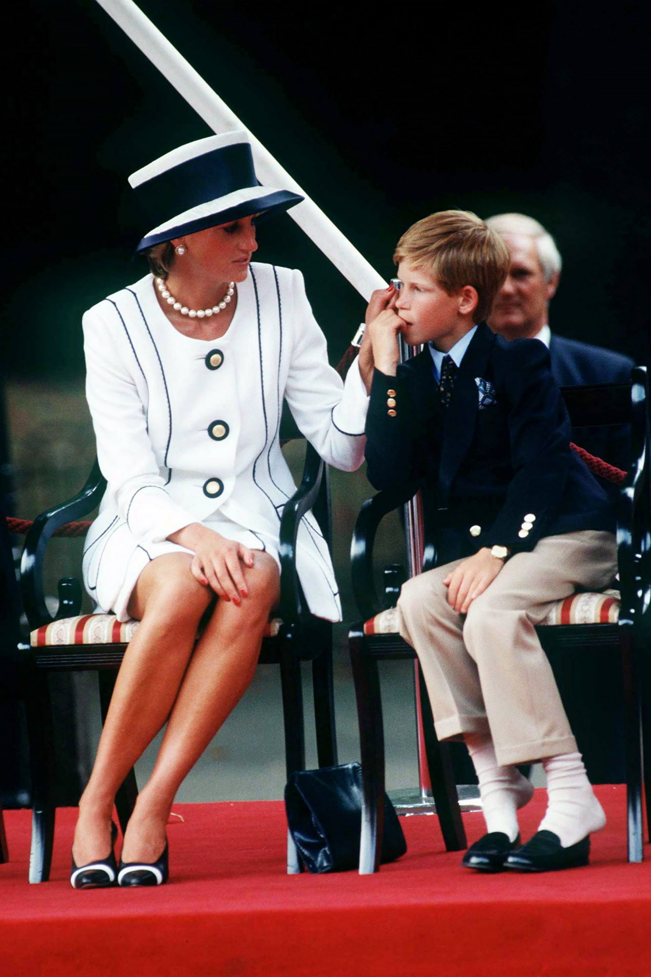 Diana And Harry Vj Day