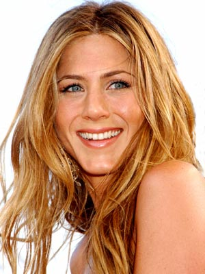 JENNIFER ANISTON, 36