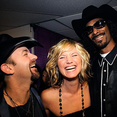 SUGARLAND AND SNOOP DOGG