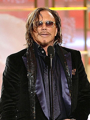 3. MICKEY ROURKE THANKS HIS DOGS