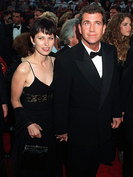 MEL GIBSON & ROBYN MOORE