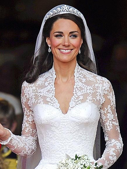Bouquet Sposa Kate Middleton.Catherine Middleton S Wedding Look All The Details People Com