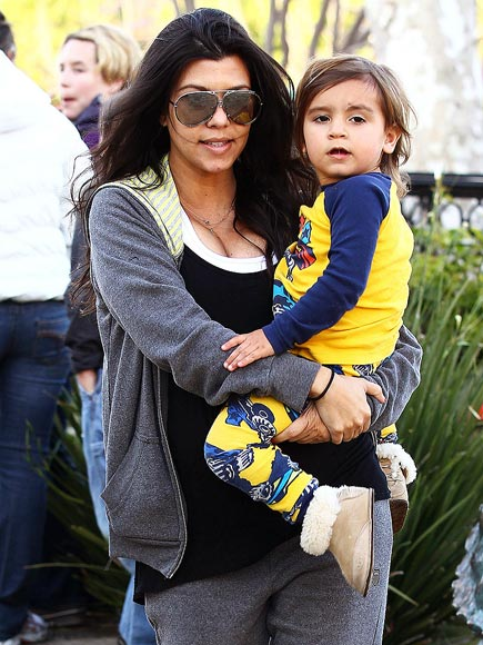 KOURTNEY SLEEPS WITH HER 2-YEAR-OLD