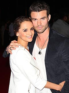 Rachael Leigh Cook Daniel Gillies Expecting First Child