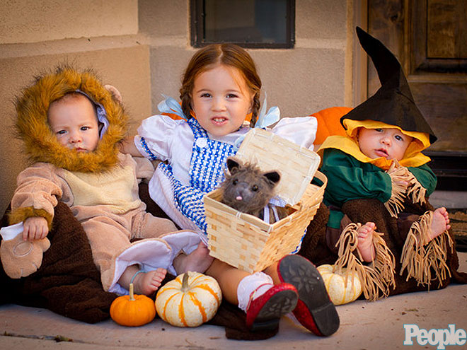THE COWARDLY LION, DOROTHY & THE SCARECROW