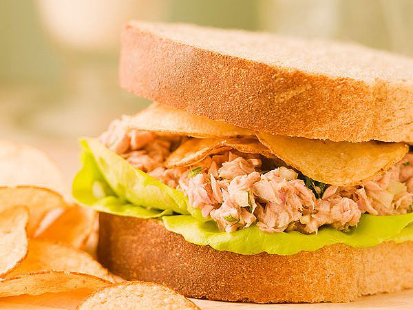 Sandwiches With Potato Chips In Them