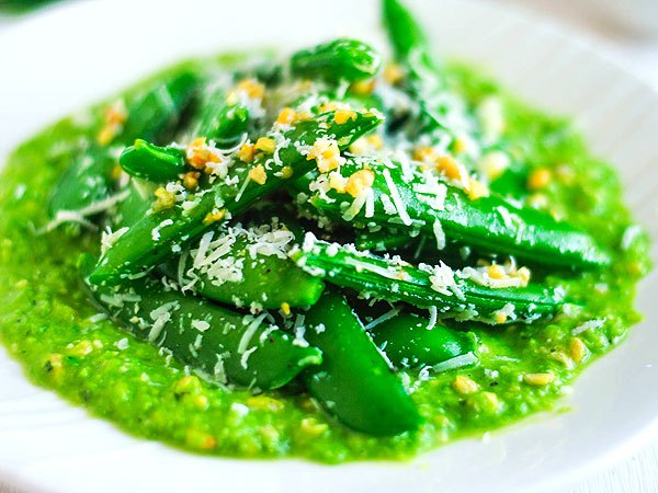 Easter Side Dish Recipe: Sugar Snap Peas with Minty Pesto