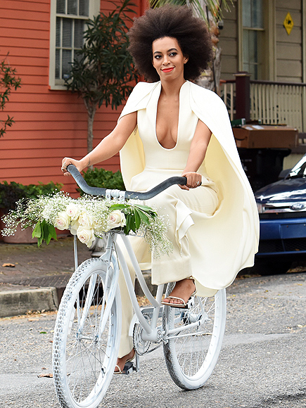 THE BRIDE ARRIVED BY BIKE