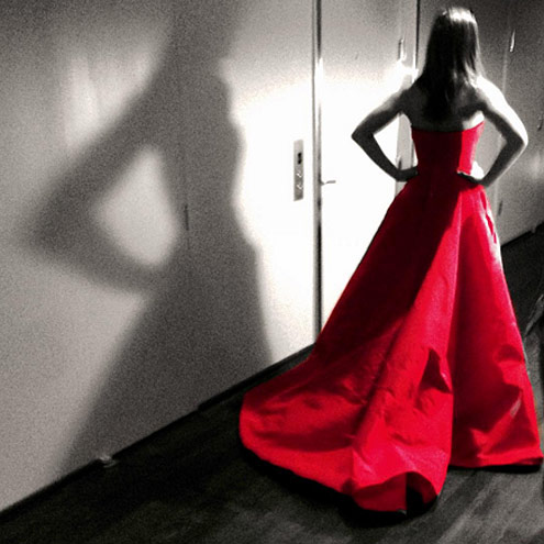 13. BECAUSE EVEN HER SILHOUETTE IS MESMIRIZING