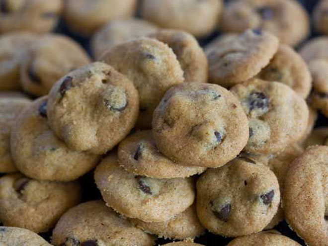 TINY: CHOCOLATE CHIP BUTTONS