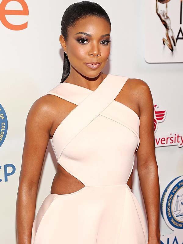 PASADENA, CA - FEBRUARY 06: Actress Gabrielle Union