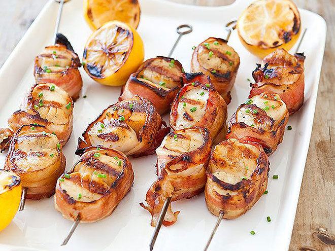 BACON-WRAPPED SCALLOPS