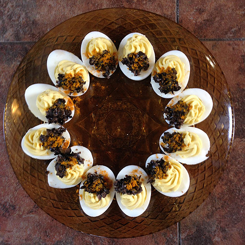 DEVILED EGGS WITH TURMERIC AND BLACK OLIVES