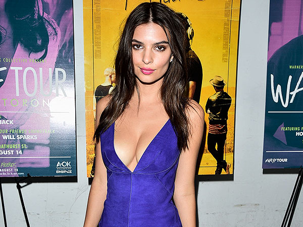 Actress Emily Ratajkowski attends the We Are Your Friends premiere