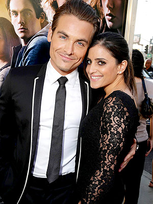 Kevin Zegers Wife Welcome Twins