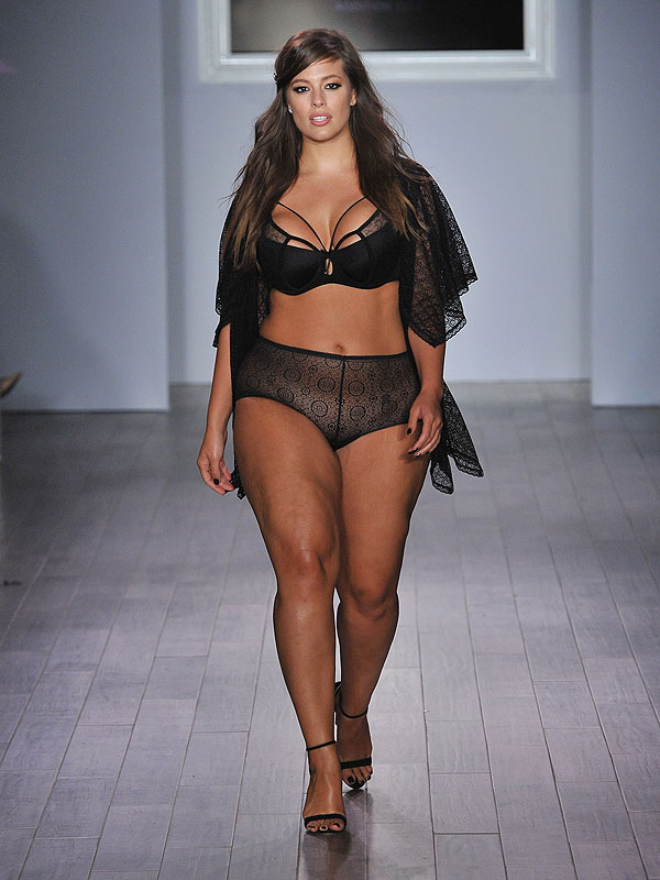 Ashley Graham fashion week 2015