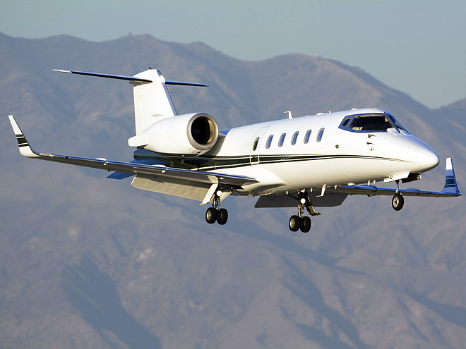 33 PRIVATE JETS