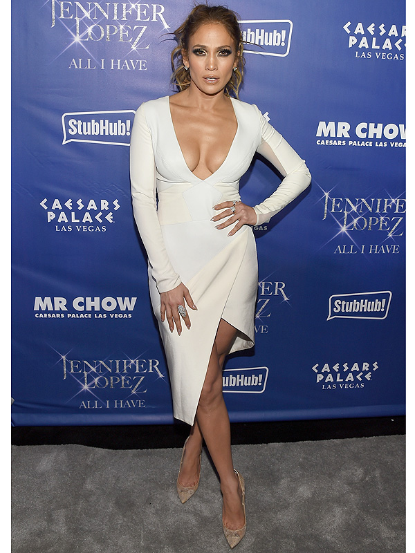 Jennifer Lopez Reveals How She Looks Fabulous At 46 Years Old People Com
