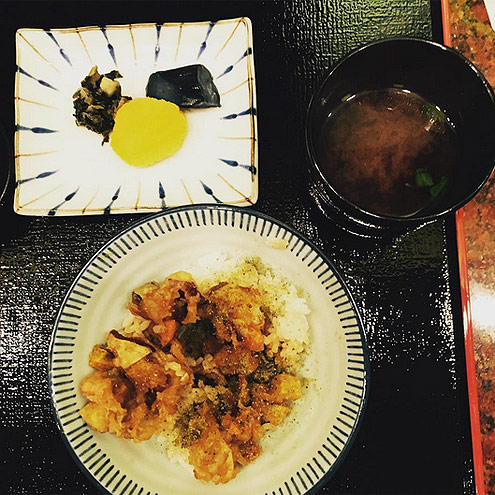 3. WHEN IN DOUBT, JAPANESE FOOD IS THE WAY TO GO