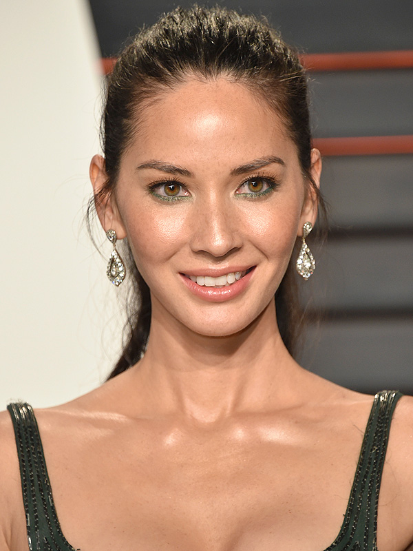 Olivia Munn Oscars afterparty beauty look