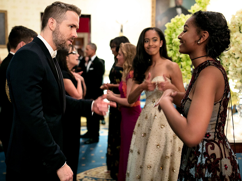 Sasha and Malia talk with actor Ryan Reynolds while greeting dinner guests in the Blue Room. (Official White House Photo by Pete Souza) 3/12/16 Official White House Photo by Pete Souza