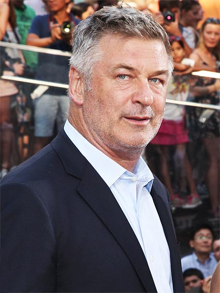 ALEC BALDWIN REFUSED TO STOP PLAYING WORDS WITH FRIENDS