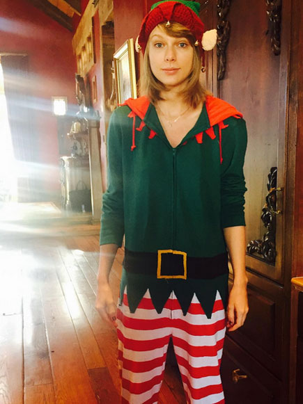 HER ELF OUTFIT