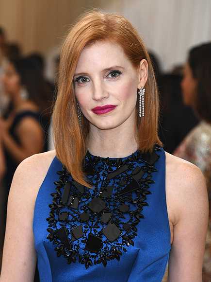 """NEW YORK, NY - MAY 02: Actress Jessica Chastain attends the """"Manus x Machina: Fashion In An Age Of Technology"""" Costume Institute Gala at Metropolitan Museum of Art on May 2, 2016 in New York City. (Photo by Images)"""