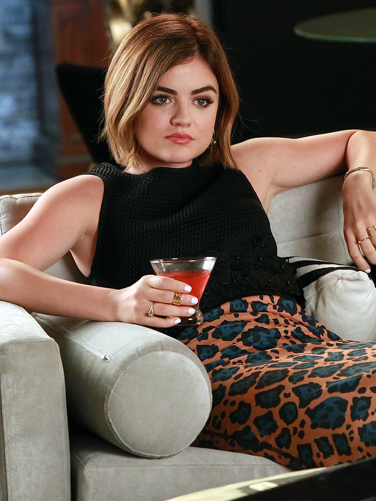 ARIA'S COLORFUL LOOK