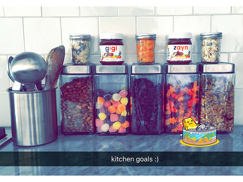 SNAPCHATTING CUTE HIS-AND-HERS NUTELLA JARS