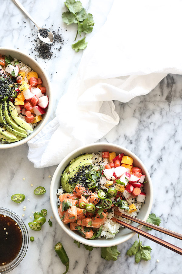 SALMON POKE BOWL WITH PICKLED RADISHES AND SPICY PONZU