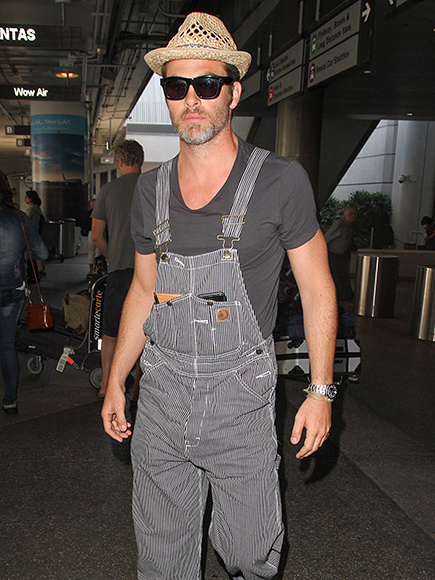 LOS ANGELES, CA - SEPTEMBER 21: Chris Pine is seen at LAX on September 21, 2016 in Los Angeles, California.